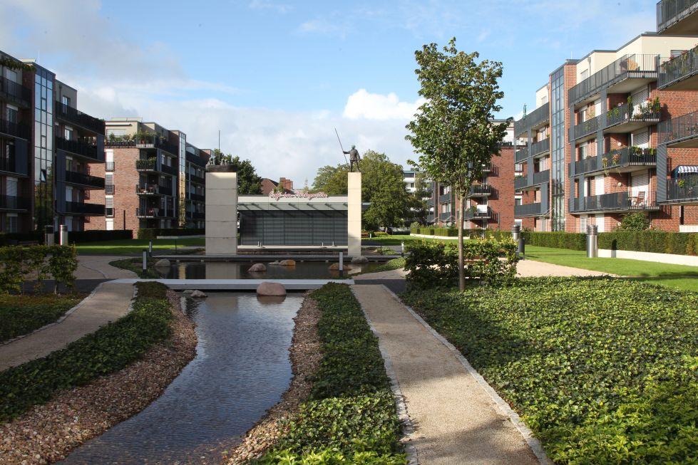 Parkgarten mit Bach